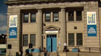 El primer centro comunitario de la policía para combatir la violencia juvenil es inaugurado en Brooklyn