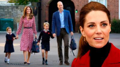 Kate Middleton asiste a una reunión de padres de familia en la escuela de sus hijos que duró tres horas