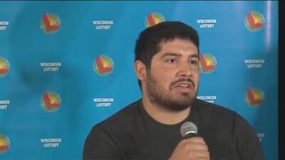 Hispano que se ganó el PowerBall regala parte de su premio por el Día de la Madre