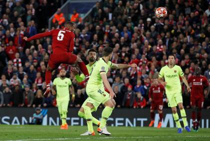 Un cabezazo de Wijnaldum sirvió al minuto 10 del segundo tiempo logró lo impensado al igualar la serie para Liverpool con el 3-0.