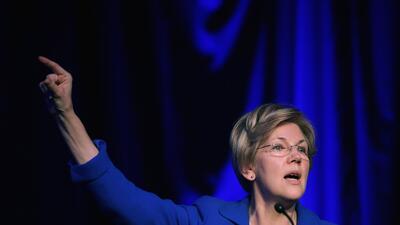 """""""Dejen de esconderse tras artículos anónimos e invoquen la enmienda 25"""": el llamado de Warren a los funcionarios críticos de Trump"""