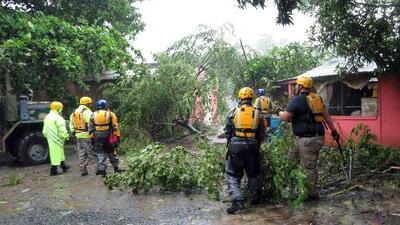Al menos 72 horas de tormenta amenazan a Puerto Rico por la llegada del huracán María