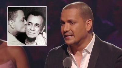 Recordamos cuando Víctor Manuelle ganó el Premio Lo Nuestro al Artista Salsa del Año, y lo dedicó a su padre