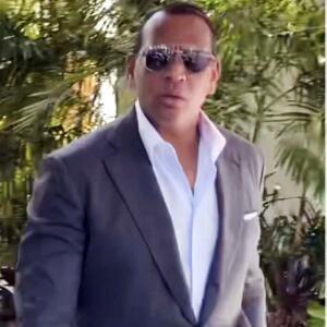 En video: A-Rod reaparece en medio del escándalo por JLo y Ben Affleck