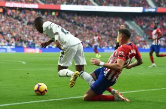 ¿Hubo penalti?: seguimiento a una de las polémicas del duelo de Atlético y Real Madrid