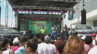 Artistas de diferentes géneros musicales y el talento de Noticias 23 dijeron presentes en el Carnaval de la Calle Ocho