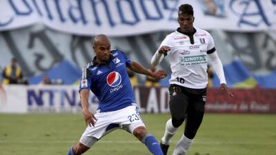Delantero colombiano Johan Arango suena para los Tigres de la UANL