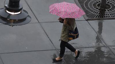 Ventana al Tiempo: Se pronostica que continúen las lluvias este lunes en Dallas