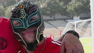 Rey Mysterio visitó al Manchester United y se llevó un gran recuerdo con uno de sus ídolos