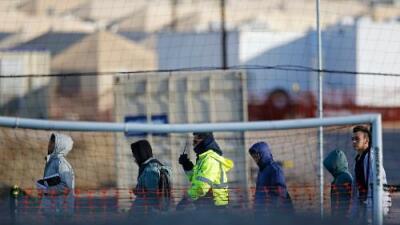 Un menor no acompañado muere bajo custodia de ICE