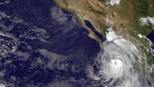 Baja California Sur en alerta tras la llegada del huracán Newton