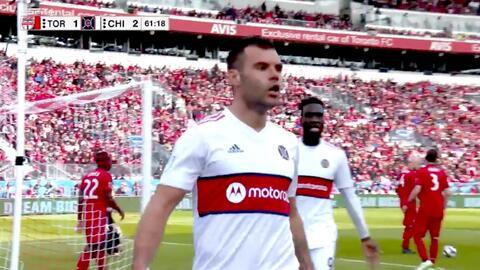 El serbio Nemanja Nikolic cierra la pinza y Chicago Fire remonta el marcador