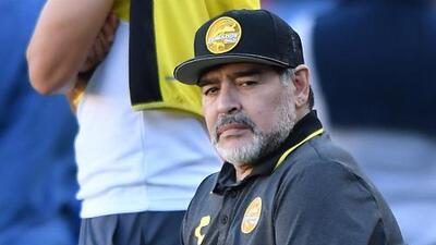 Hospitalizan a Diego Maradona en Buenos Aires por un sangrado estomacal