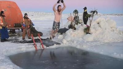Así celebran expedicionarios antárticos el solsticio de invierno. ¿Te atreverías a hacer lo mismo?