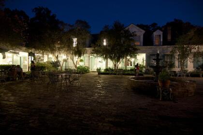 <b>10. St. Francisville, Louisiana.- </b>Abriendo el top 10 de la lista encontramos esta ciudad de 1,627 habitantes, que es conocida por sus numerosas plantaciones y varias casas de estilo victoriano, construidas por varios judíos que se refugiaron en la ciudad durante la Segunda Guerra Mundial. <br>