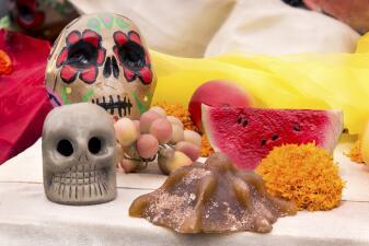 Manjares básicos en un Altar de Muertos