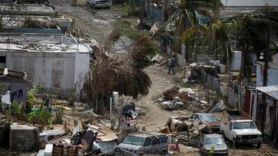Puerto Rico aún tiene lugares aislados, a oscuras, incomunicados y con hambre a dos semanas del azote de María