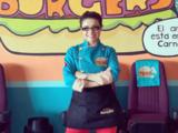 Violeta Isfel triunfa como empresaria y abre nueva sucursal de hamburguesas