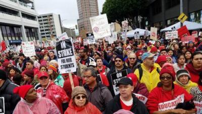 Por qué detrás de la huelga de maestros de Los Ángeles están los estudiantes latinos