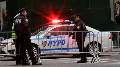 Policía de Nueva York revisará los protocolos de ayuda por el incremento de suicidios de uniformados