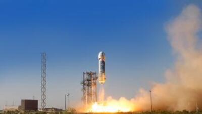 Lanzan cohete espacial desde desierto texano