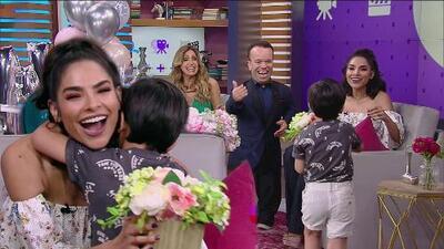 Matteo llega como todo un galán al show y sorprende a Alejandra Espinoza con un hermoso regalo
