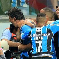 Gremio vence a Lanús y acaricia el título de la Copa Libertadores