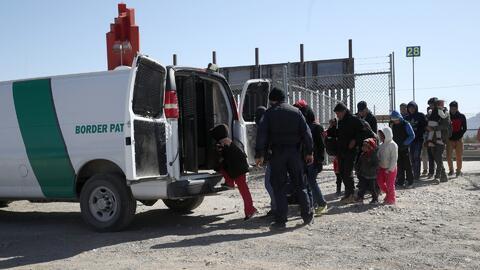 Cientos de agentes realizan un ejercicio militar de práctica para defender las fronteras de la llegada de migrantes