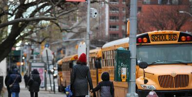 Estudiantes con necesidades especiales de la ciudad de Nueva York regresan a las aulas