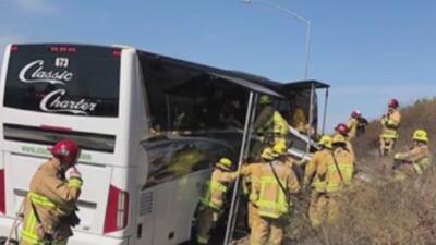 Choca autobús con estudiantes que iban a una excursión a Simi Valley