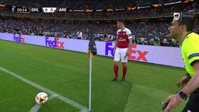 Tiro de esquina para Arsenal