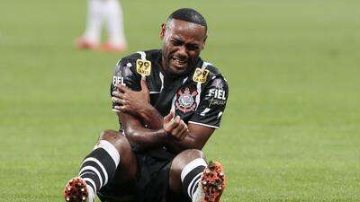 Vagner Love cometió un terrible 'oso' con el Corinthians