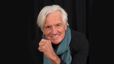 La salud del cantante Sergio Denis va mejorando, aunque tuvo que pasar su cumpleaños 70 en el hospital
