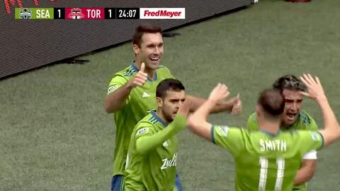 Will Bruin hace un golazo de 'palomita' y empata el partido, Seattle Sounders 1-1 Toronto FC