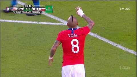 Tiro desviado de Arturo Vidal
