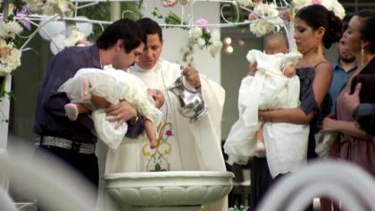 Además, vimos cómo pudo haber sido el bautizo de las más pequeñas de la familia de Guzmán Loera.