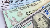 Algunos recibirán en Florida un dinero adicional además del cheque de $1,400: experto explica quiénes califican