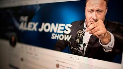 """Facebook veta de por vida a varios líderes de extrema derecha por """"peligrosos"""""""