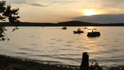 Al menos ocho fallecidos deja el accidente de un bote turístico en un lago de Missouri