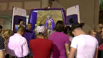 Masiva peregrinación por la víspera de San Lázaro en Hialeah