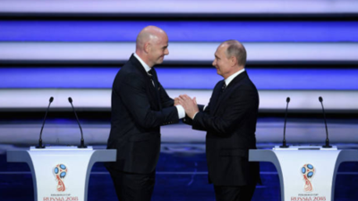 Vladimir Putin da la bienvenida a los invitados al sorteo del Mundial Rusia 2018