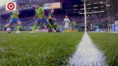 Cristian Roldán aprovecha un rebote y Seattle ya gana el Clásico de Cascadia