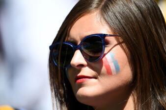 El Kazán Arena contó con la presencia de las mujeres francesas y australianas