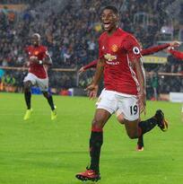Manchester United rescatá 3 puntos en el último minuto de partido contra el Hull