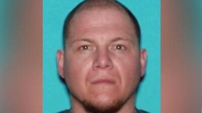 Buscan a un hombre señalado de dispararle mortalmente a su hermano en Baldwin Park