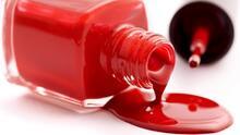 Elimina las manchas de esmalte para uñas de tu ropa con estos trucos