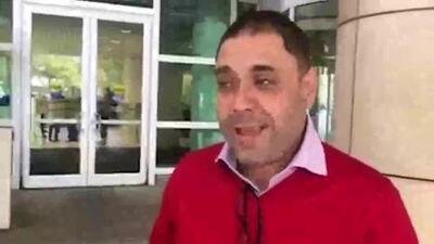 Miguel Pérez, Jr. reacciona al recibir su ciudadanía