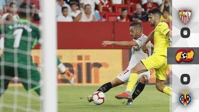 Miguel Layún observa desde la banca a su exequipo en empate 0-0 entre Sevilla y Villarreal