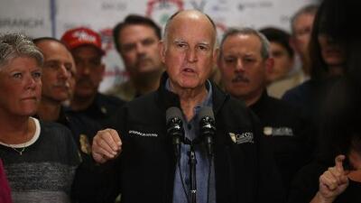 """Gobernador de California sobre incendios: """"Estamos enfrentándonos a una nueva realidad"""""""