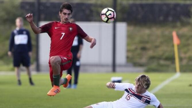 ¡A lo Zlatan! Diogo Brás, juvenil de Portugal, sorprende con golazo